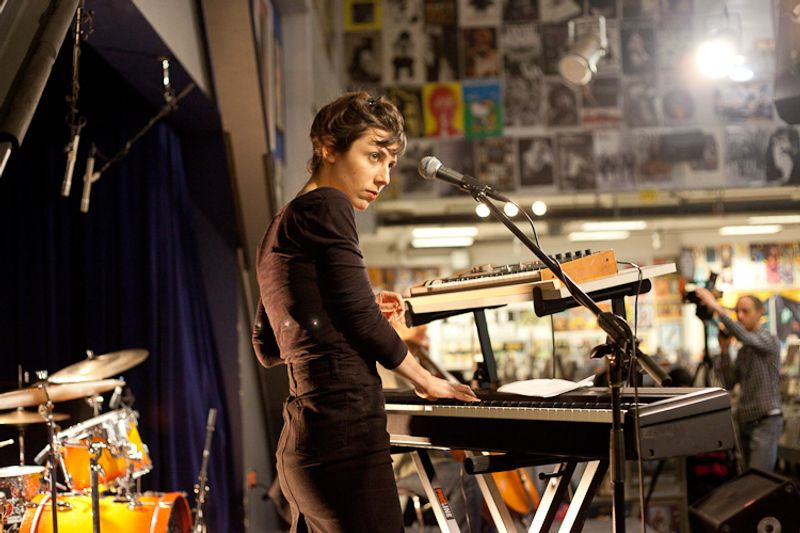 julia holter live at amoeba