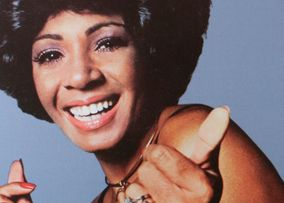 Shirley Bassey Albums