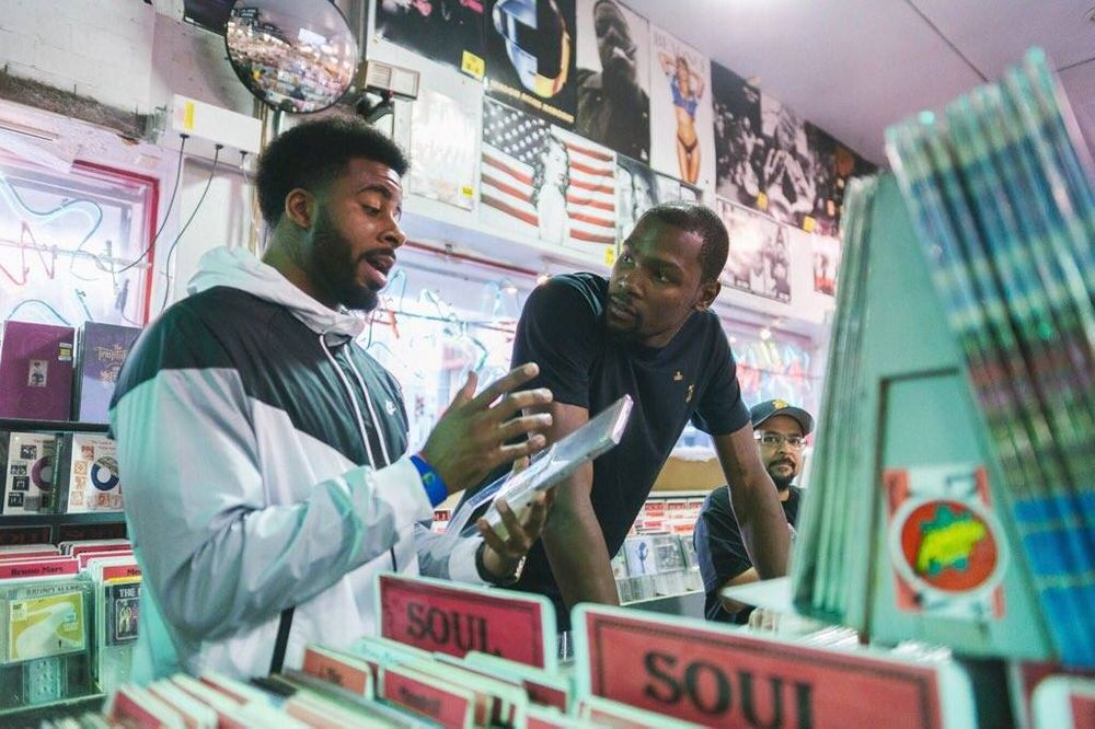 Kevin Durant at Amoeba Berkeley