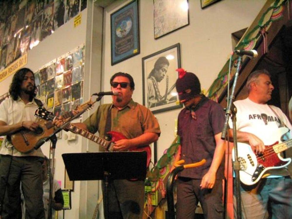 Los Lobos at Amoeba Hollywood 001