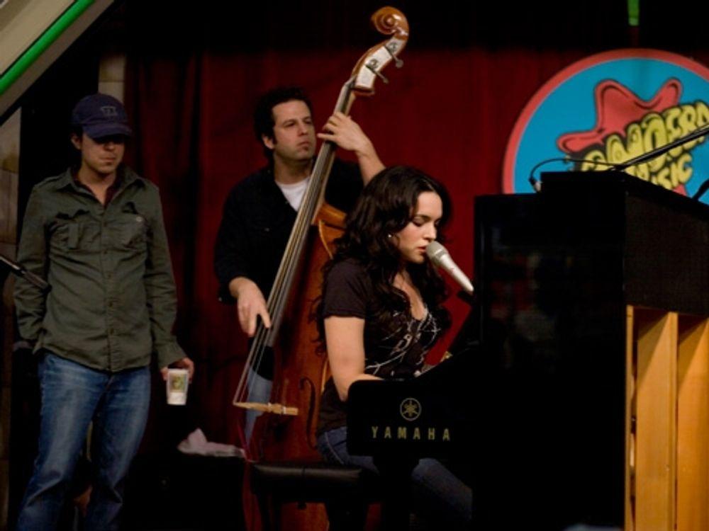 Norah Jones at Amoeba Hollywood 2007