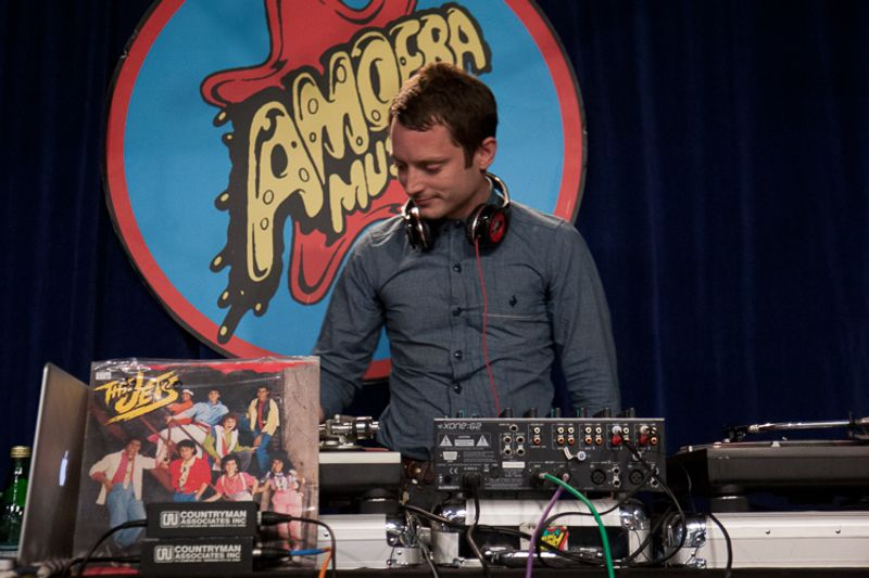 elijah wood amoeba hollywood